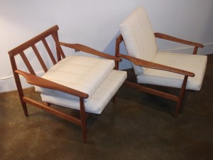 Gorgeous pair of Mid-century modern teak low back easy chairs - excellent vintage condition - fantastic design - would be a perfect addition to your Mid-century modern Pad - (SOLD)