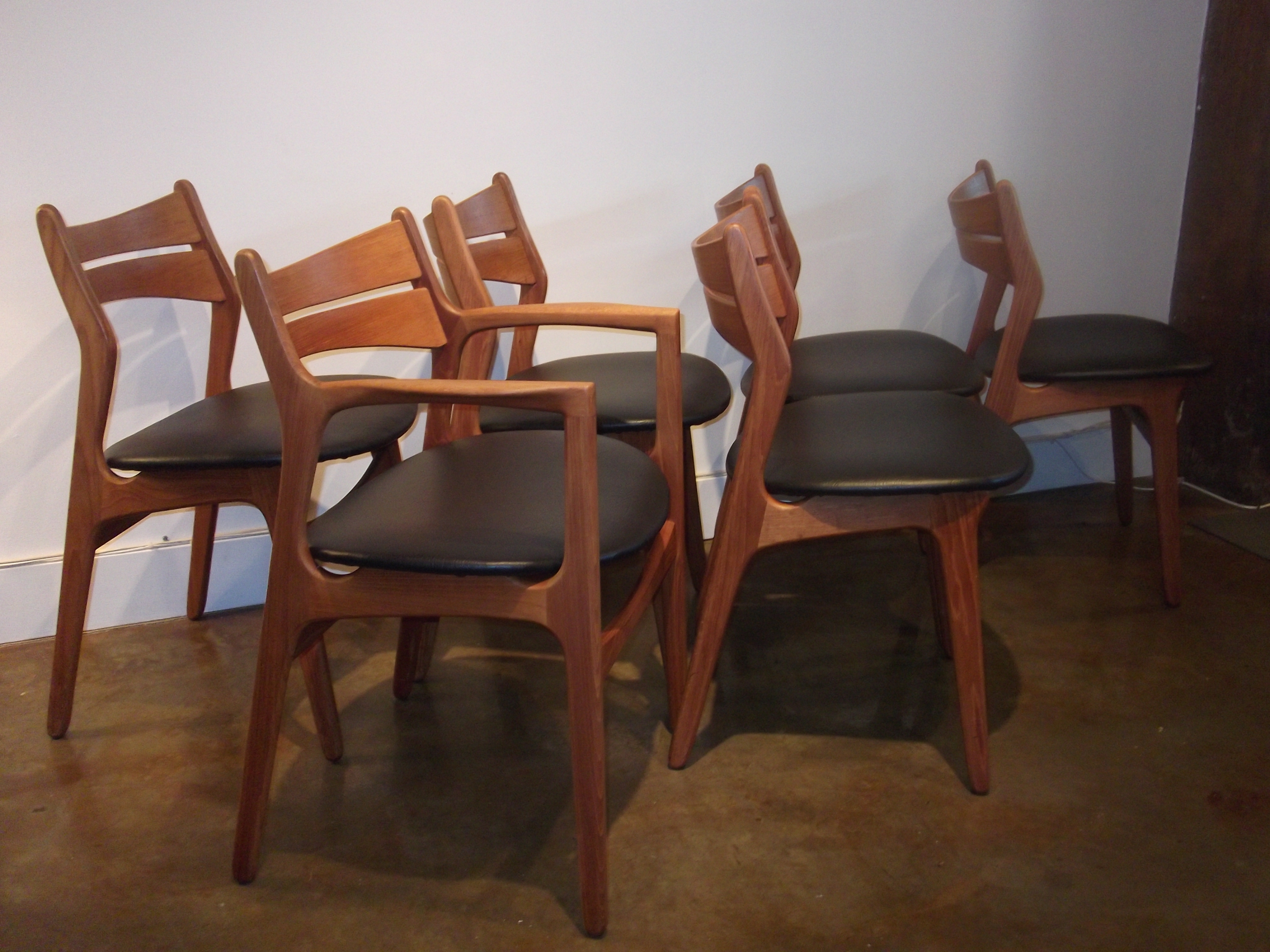 Exceptional Set Of 6 Mid Century Teak Dining Chairs