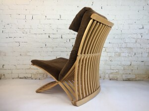 Incredible design by Canadian Designer Thomas Lamb - Steamer Chair by Dubarry Furniture Ltd. - Nine-ply Canadian maple molded with identical curves and cuts, has a form that provides optimal seating and support - comes with the original cushions - :) The first Canadian product to be included in the permanent collection of The Museum Of Modern Art, NYC. Featured on Canadian Design Resource: 25 of Canada's Best Chairs. 1978. - a collector's dream chair - (SOLD)