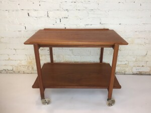 An exceptional Mid-Century Modern expandable teak serving /bar cart Designed by Poul Hundevad, - Made in Denmark - very nice vintage condition - (SOLD)x