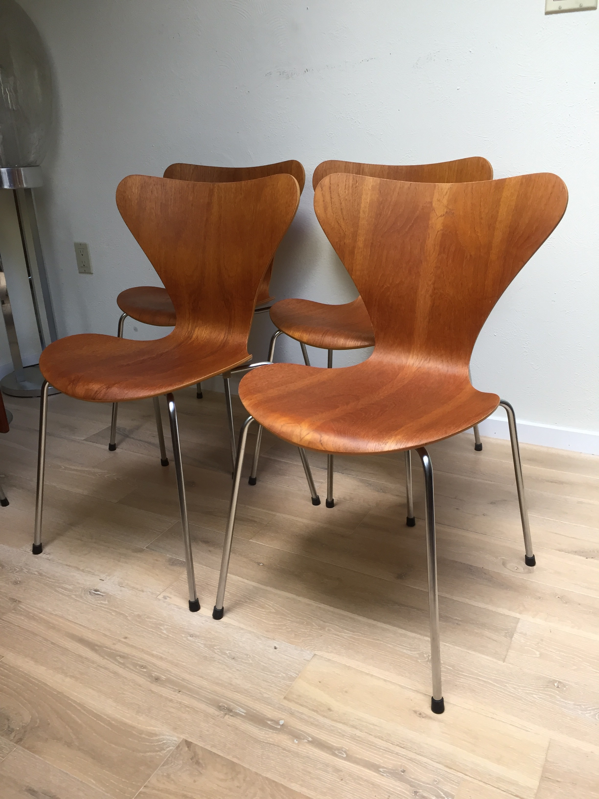Newly re finished mid century modern series 7 chairs designed by arne jacobsen for