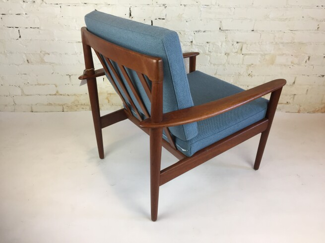 fabluous back view of the Grete Jalk easy chair :) (SOLD)
