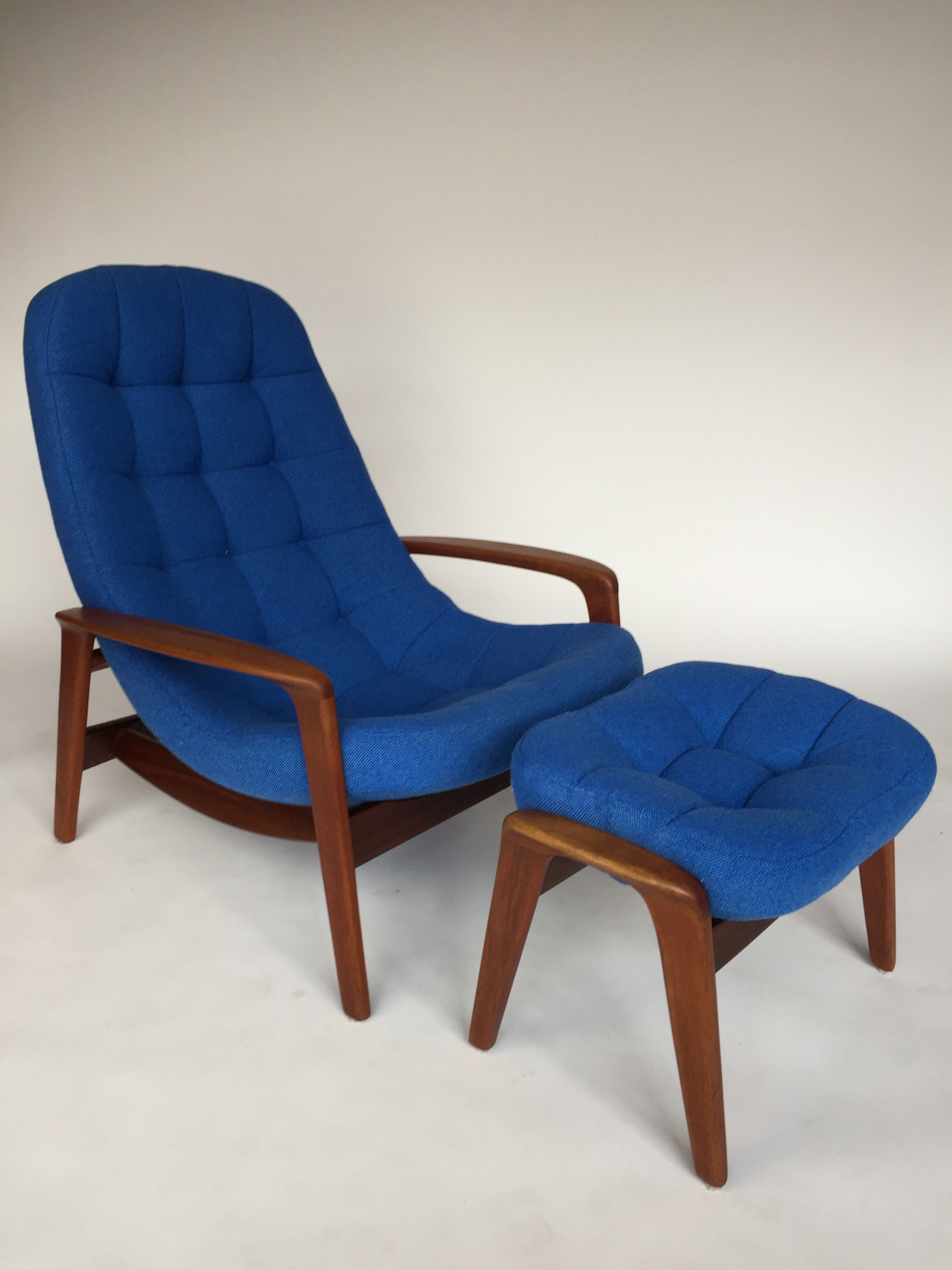 The Fabulous Find Mid Century Modern Furniture Showroom