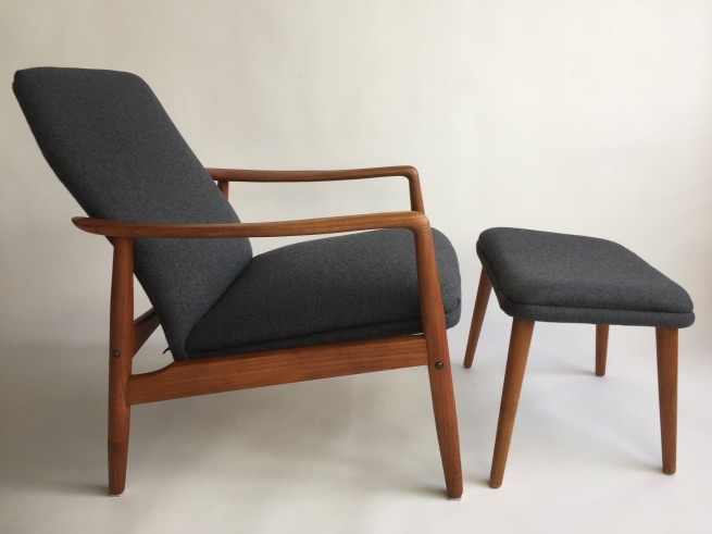 Danish teak reclining lounge chair and matching ottoman by SL Mobler Denmark - newly upholstered in a lovely medium grey wool - this beauty has 2 lounge positions - (SOLD)