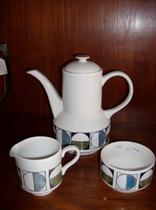 Vintage Kathie Winkle - Eclipse design -  ceramic coffee pot/creamer/sugar - (SOLD)