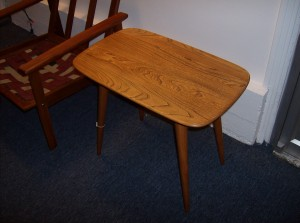 Fantastic small vintage Snyder end table - (SOLD)