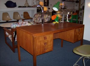 Quality Mid-century modern teak desk w/bookshelf on opposite side/comes with key - (SOLD)
