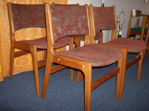 Fantastic set of 4 Mid-century modern teak dining chairs - nice quality w/a couple flaws - yours for only (SOLD)