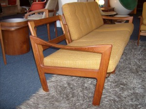 Unbelievable Mid-century modern Danish teak 3 seater sofa - manufactured by Musterring Mobel  - Excellent condition - (SOLD)