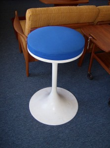 "Hard to find Vintage Saarinen style tulip swivel stool - 24""height add another 2"" to include the seat pad - nice vintage condition (SOLD)"