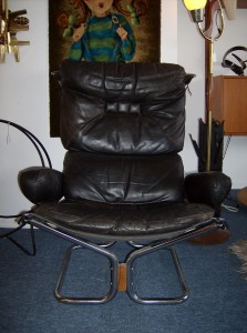 Killer Mid-century modern designer leather/chrome lounge chair - Designed by Harald Relling for Westnofa - (SOLD)