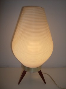Super cute 1960&#039;s tripod table lamp - perfect for your bedside - really good condition - nice white ribbed plastic pod shade on top of a metal base w/3 wooden legs - (SOLD)