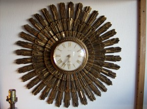 Fabulous vintage sunburst wall clock - keeps perfect time - made by Syroco - (SOLD)