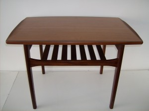 Striking teak Mid-century modern  2 tier end table - beautiful condtion - very rich looking - (SOLD)