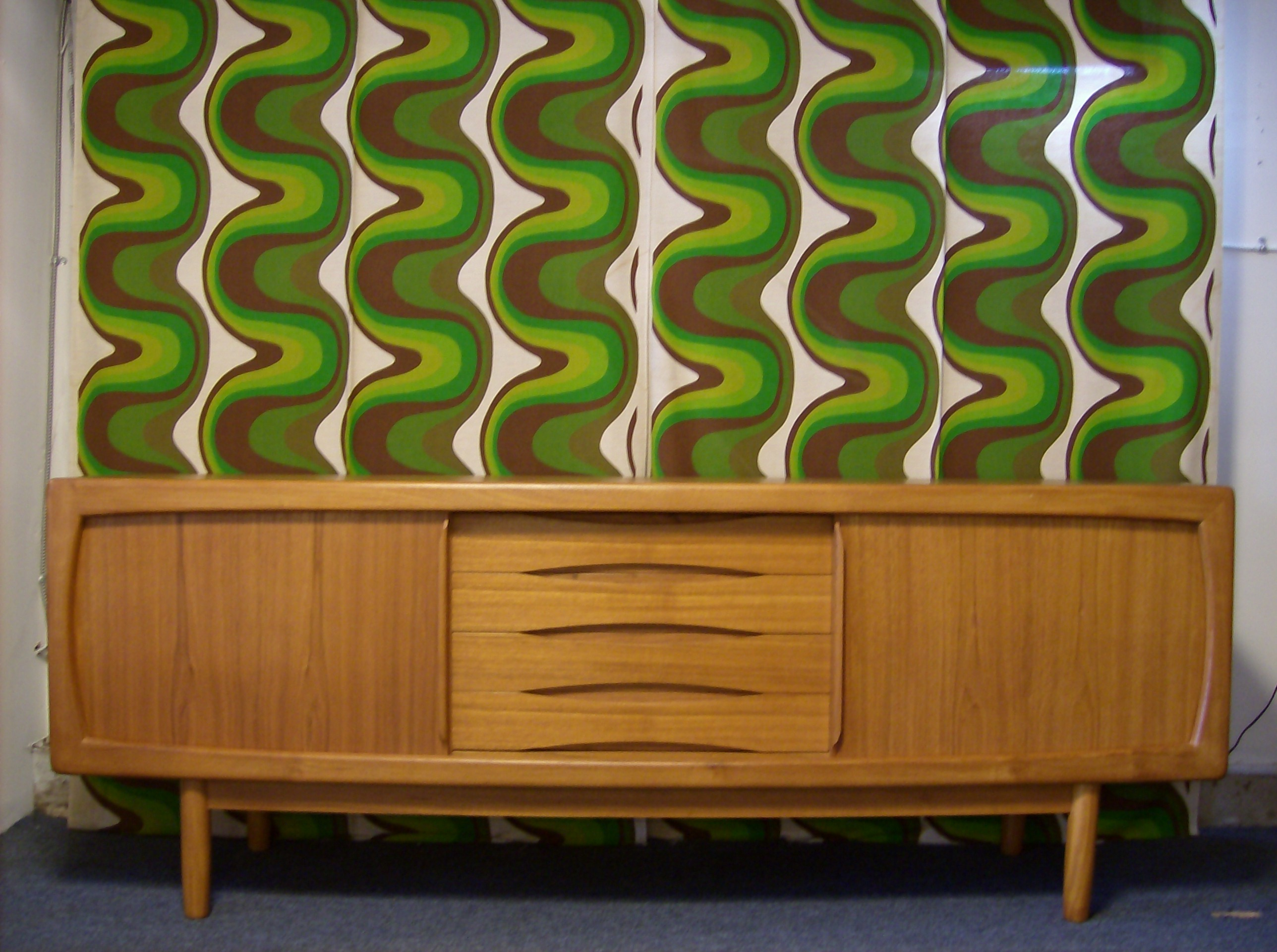 004. The Fabulous Find   Mid Century Modern Furniture Showroom in