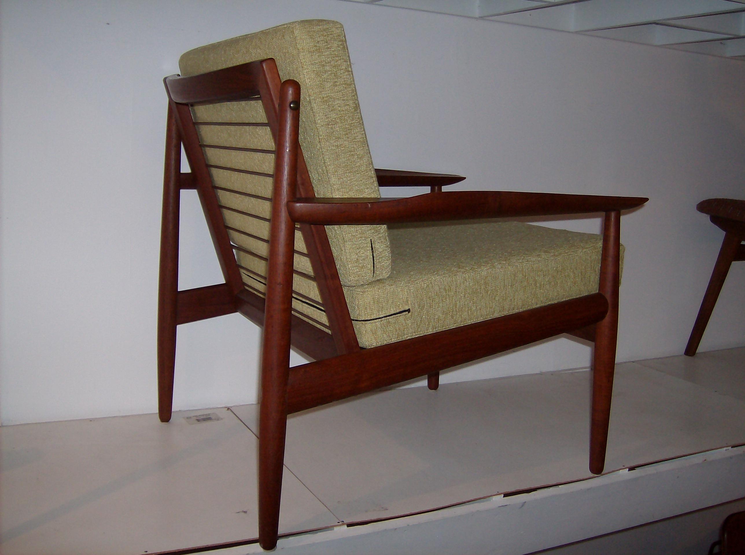 100 Consignment Furniture Stores Victoria Bc