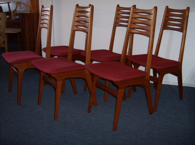Striking set of 6 Mid-century modern teak dining chairs - incredible quality - exquisite design - WOW - (SOLD)